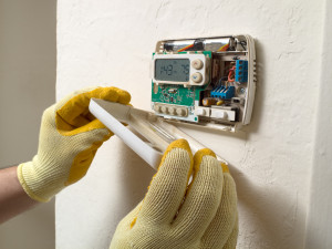 2. Replace battery in your thermostat.